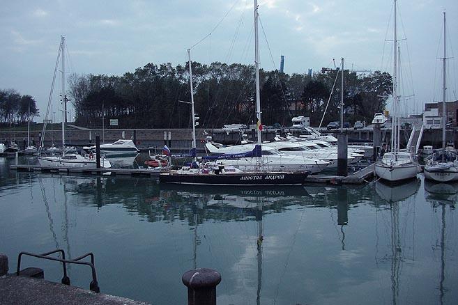 Стоянка «Апостолу Андрею» была приготовлена в Бельгийском Королевском яхт-клубе