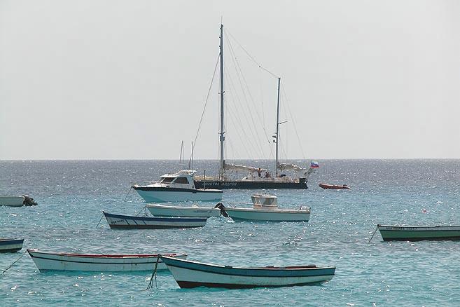 Через три года «Апостол Андрей» вновь бросил якорь в бухте острова Сал