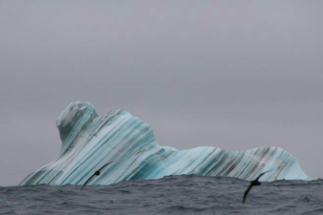 Полосатый айсберг