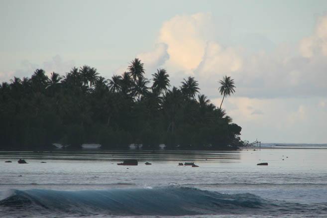 Атолл Стюарт принадлежит государству Соломоновы острова