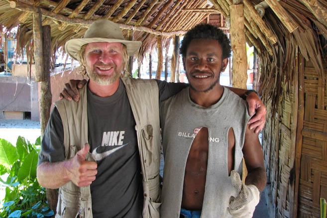 Общаться с островитянами можно на английском или по-французски