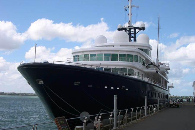 Яхта Le Grand Bleu Романа Абрамовича