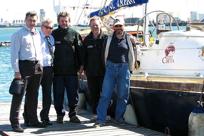 На причале яхтсменов встречали российские дипломаты