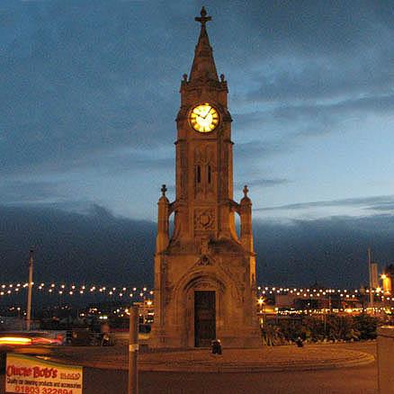 Скорее всего название города происходит от кельтского слова torr