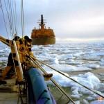 Пролив Матисена. Из-под кормы ледокола вылетали обломки льда, которые запросто могли перевернуть яхту