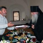 Экипаж «Апостола» был принят настоятелями монастыря
