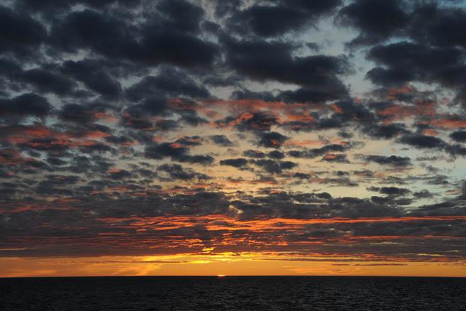 Очередной потрясающий, невероятный, великолепный закат
