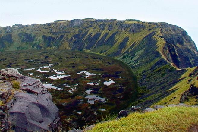 Древний вулкан Рано-Рараку