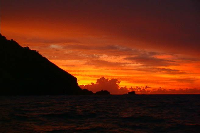 Остров Питкэрн на закате