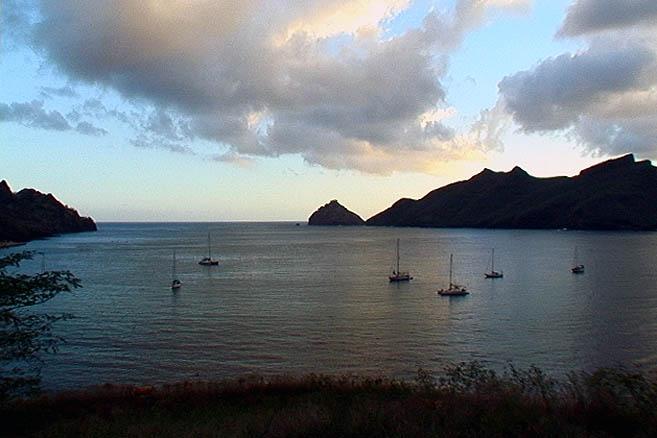 Остров Нуку-Хива, бухта Таиохаэ – одна из самых удобных в Полинезии.