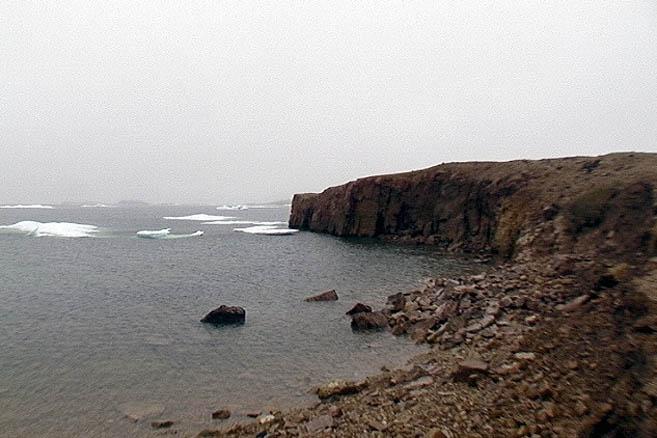 Бухта Пирс-Пойнт-Харбор. Здесь «Апостол» снова уперся в ледовый пояс