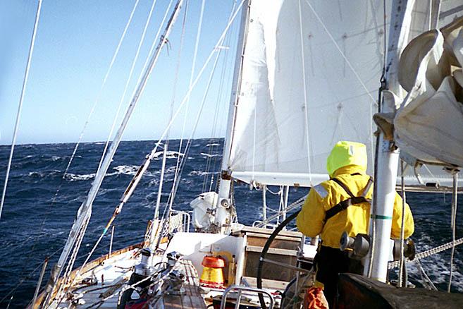 С попутным ветром «Апостол» пошел к мысу Фарвел – южной оконечности Гренландии