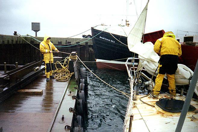 Керкуолл, Оркнейские острова. «Апостол» укрывается от урагана