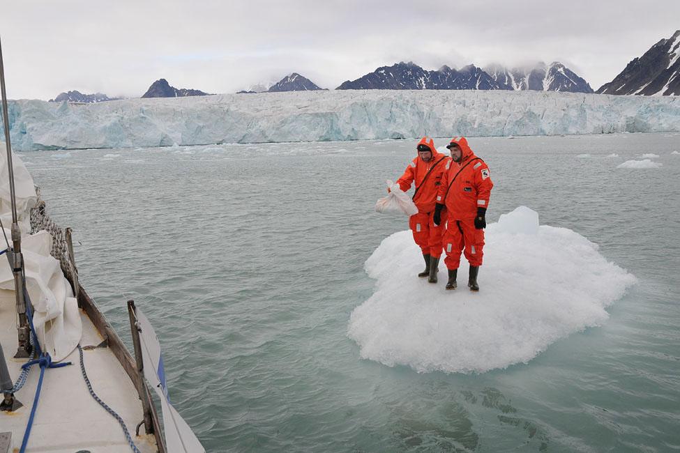 Учебные спасательные работы, они же – занятия по теме «Заготовка льда для коктейлей»