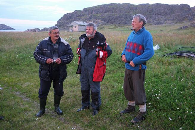 Юрий Карякин, Николай Литау,  и Николай – хозяин Рынды