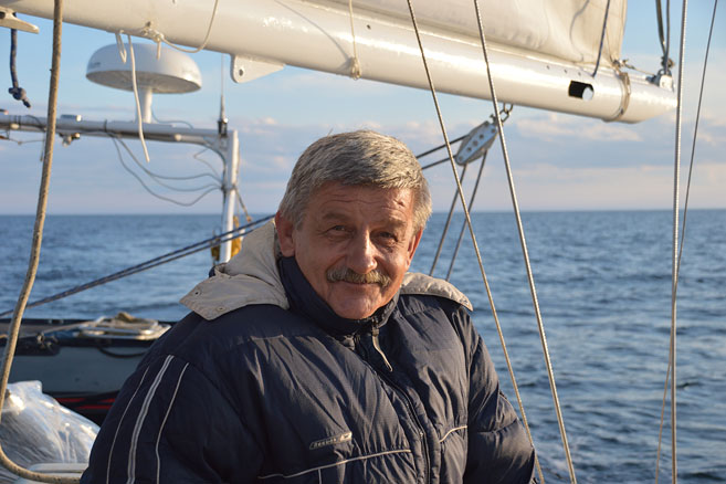 Научный руководитель похода Юрий Викторович Карякин